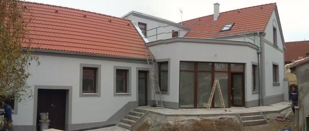 Jaké kroky jsou při rekonstrukci rodinného domu nejdůležitější?