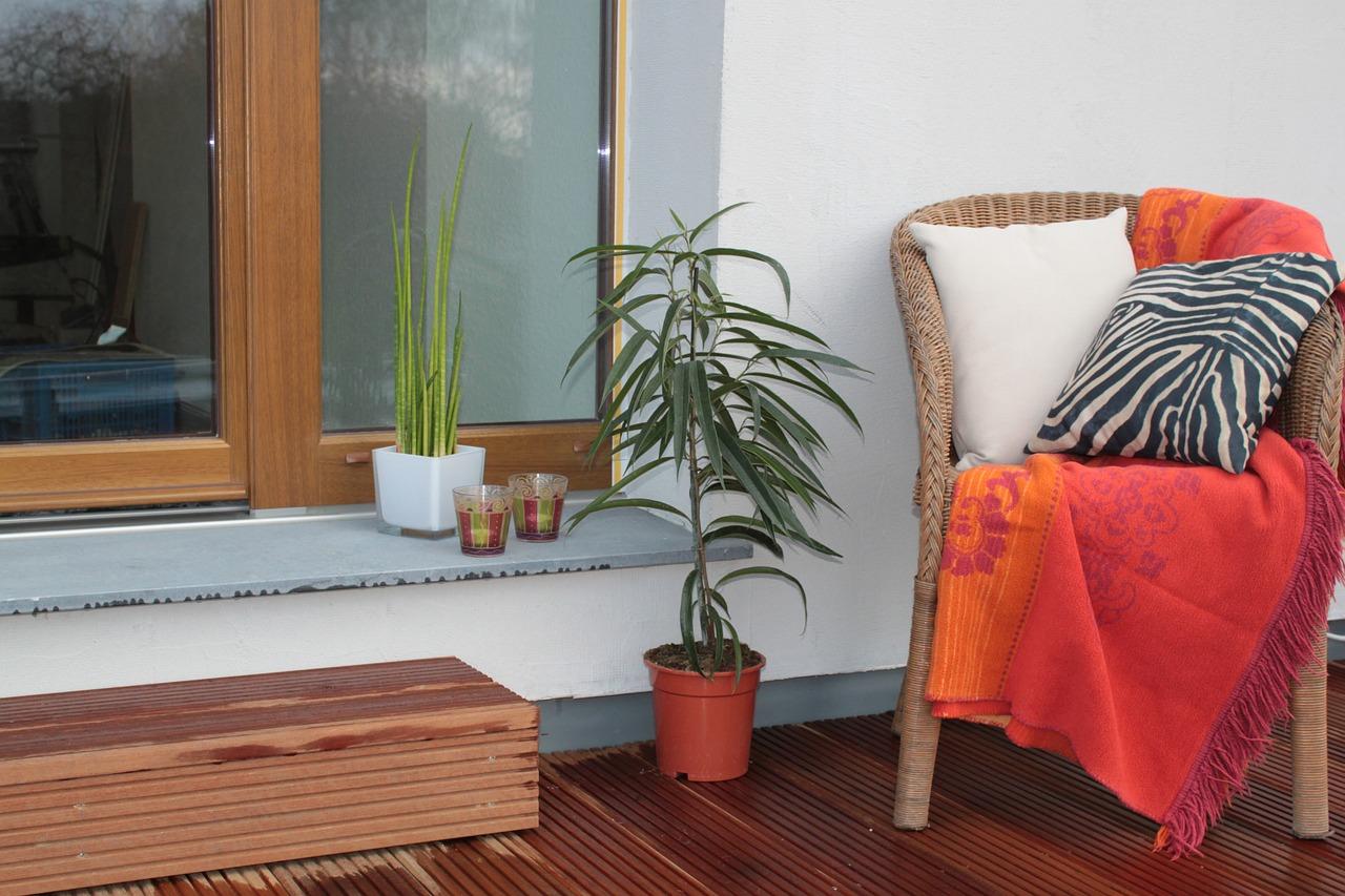 Z jakého materiálu udělat terasu na zahradě?