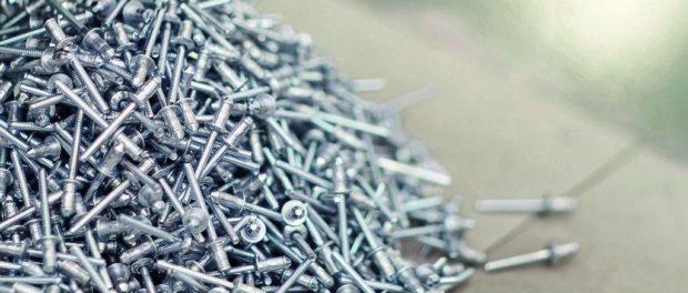 Co se používá při výrobě nábytku či strojů